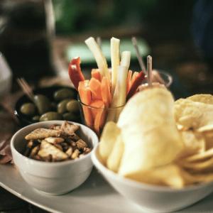 Snacks & Dips