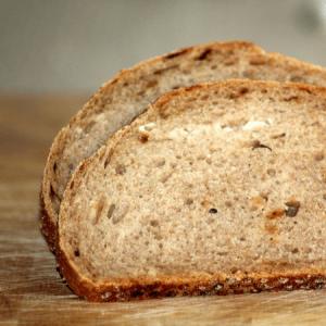Donker meergranen brood
