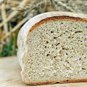 Licht meergranen brood
